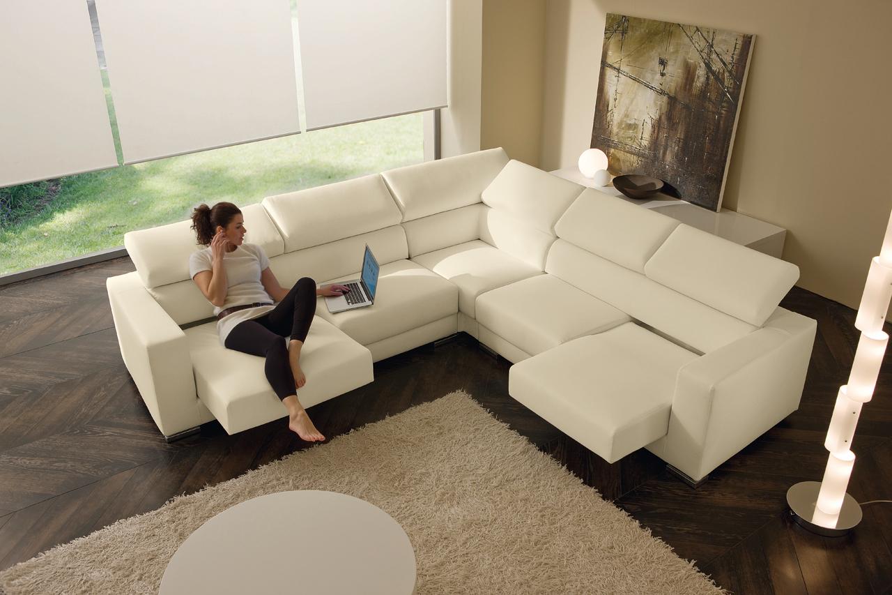 Le belle linee del divano Oregon di MorbidLine Salotti